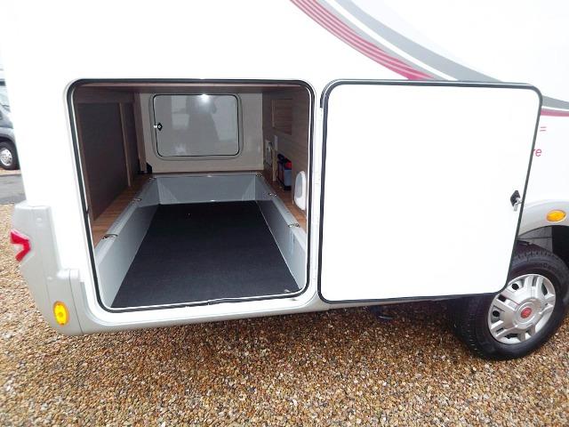 rapido 881 f occasion de 2014 fiat camping car en vente migne auxances vienne 86. Black Bedroom Furniture Sets. Home Design Ideas