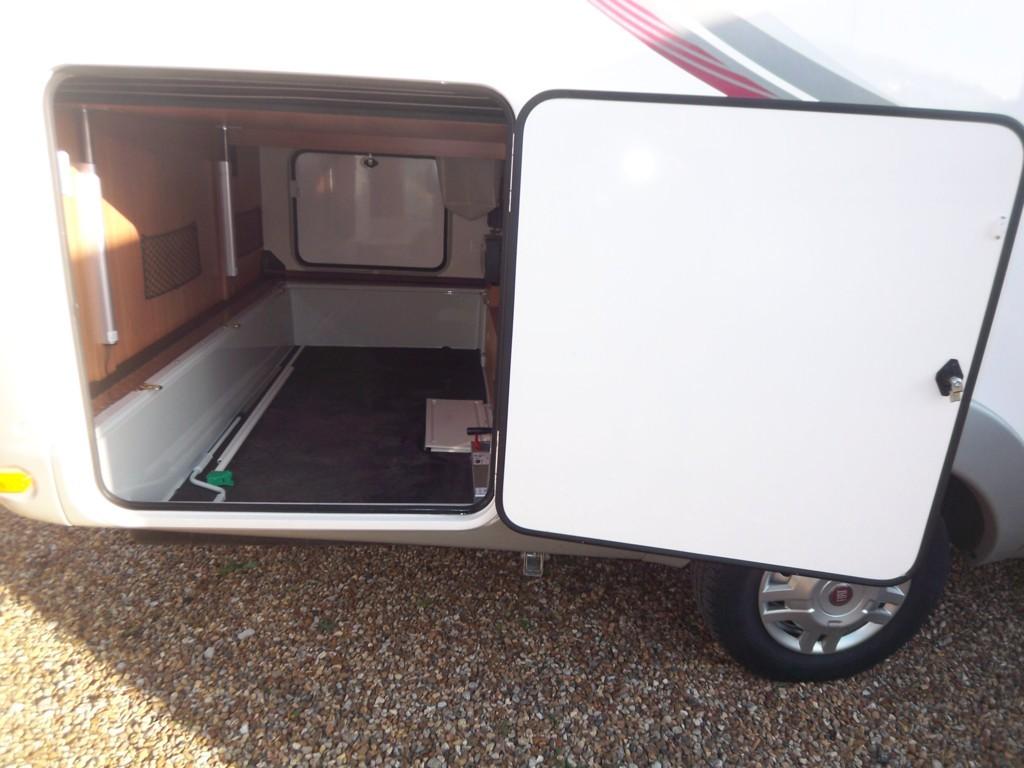rapido 9090 df occasion de 2013 fiat camping car en. Black Bedroom Furniture Sets. Home Design Ideas