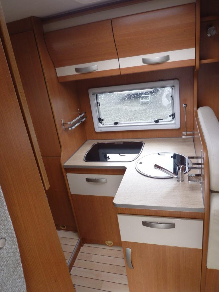 pilote p 716 aventura occasion de 2013 - fiat - camping car en vente  u00e0 monce en belin  sarthe
