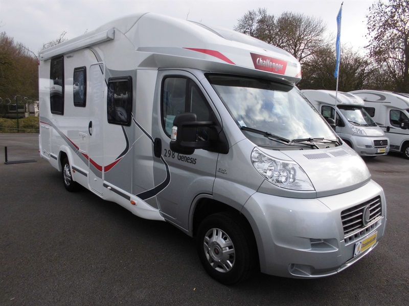 challenger genesis 298 occasion de 2014 fiat camping car en vente francastel oise 60. Black Bedroom Furniture Sets. Home Design Ideas