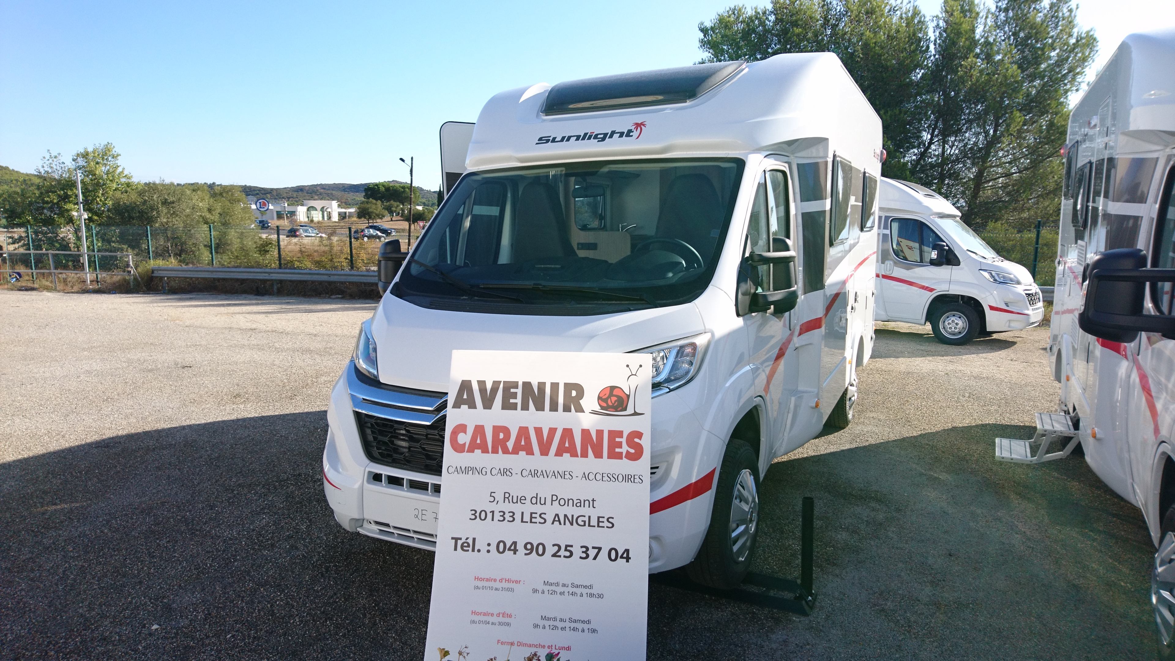 Sunlight t 58 neuf de 2018 citroen camping car en for Garage citroen les angles 30