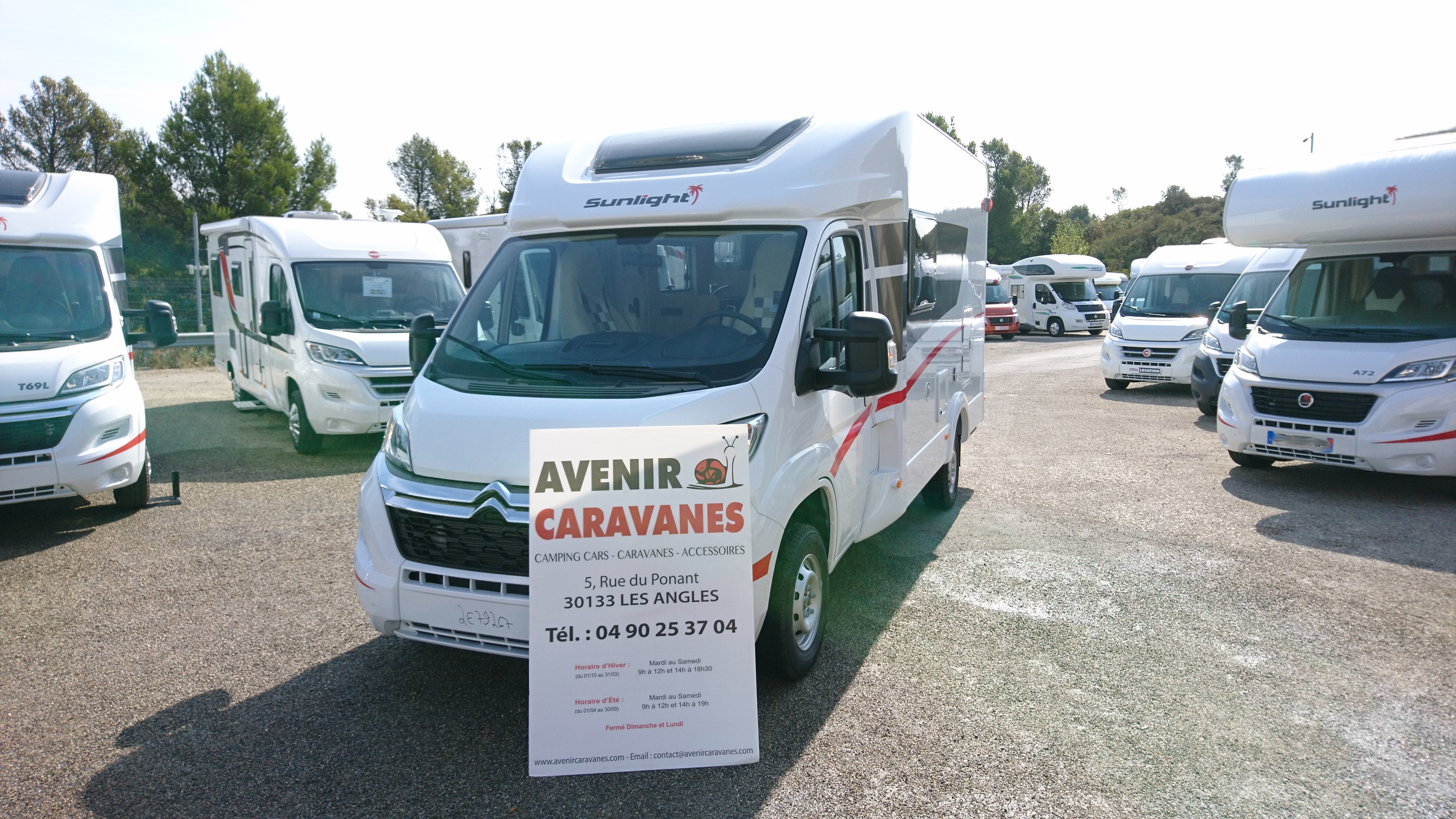 Sunlight t 60 neuf de 2018 citroen camping car en for Garage citroen les angles 30