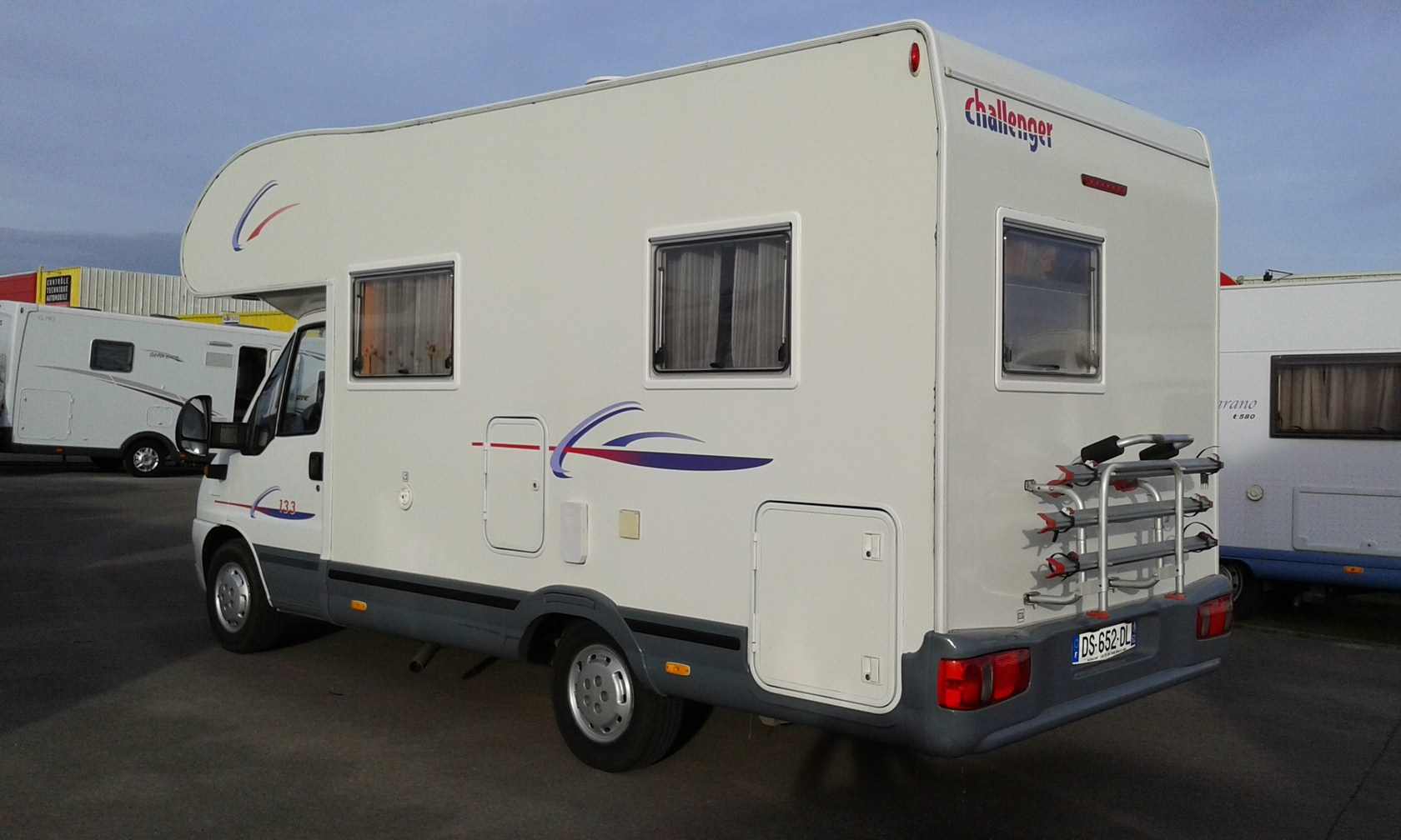 challenger 133 occasion porteur fiat 2 3 litres 115 cv camping car vendre en pas de calais. Black Bedroom Furniture Sets. Home Design Ideas