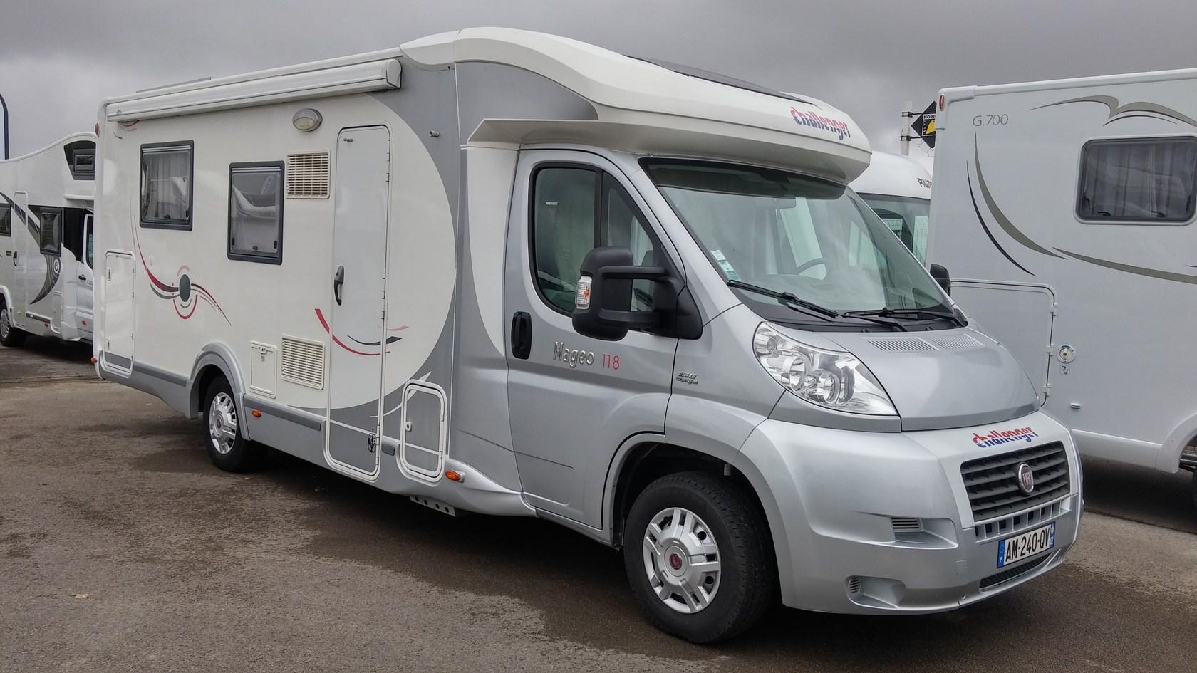 challenger mageo 118 occasion de 2010 fiat camping car en vente berck sur mer pas de calais. Black Bedroom Furniture Sets. Home Design Ideas