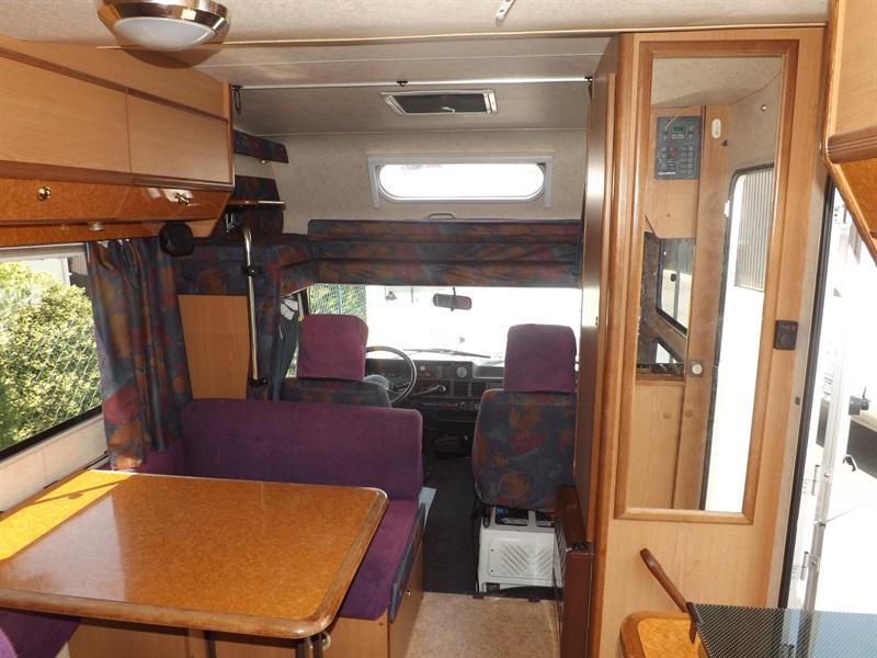 challenger 450 sx occasion porteur peugeot j 5 l ch diesel camping car vendre en puy de dome. Black Bedroom Furniture Sets. Home Design Ideas