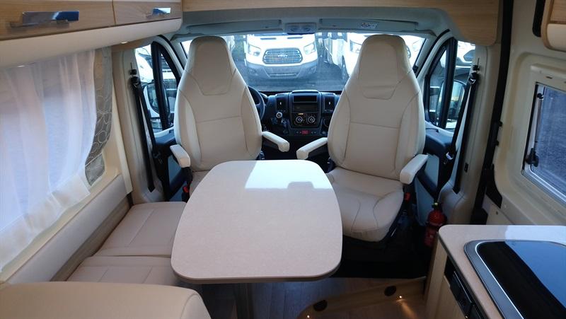 campereve magellan 743 neuf de 2018 fiat camping car en vente sailly labourse pas de calais. Black Bedroom Furniture Sets. Home Design Ideas
