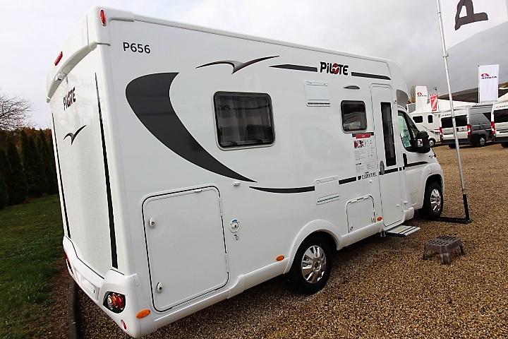 pilote p 656 c essentiel neuf de 2017 fiat camping car en vente coulounieix chamiers. Black Bedroom Furniture Sets. Home Design Ideas