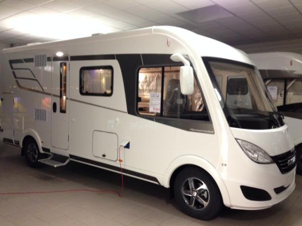 hymer b dl 584 neuf de 2017 fiat camping car en vente l 39 etrat loire 42. Black Bedroom Furniture Sets. Home Design Ideas