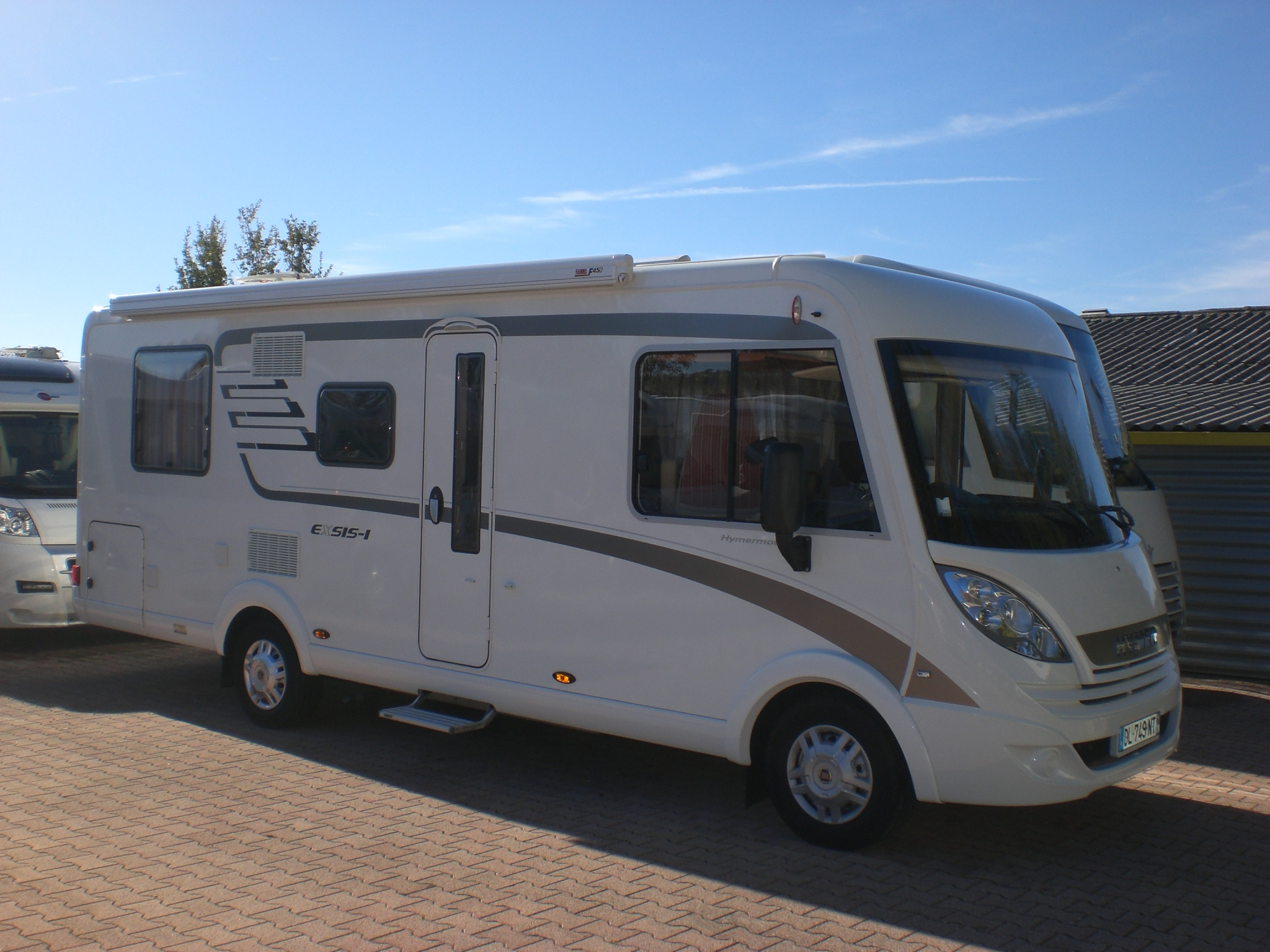 hymer exsis i 698 occasion porteur fiat 2 3 l 130 ch camping car vendre en loire 42 ref. Black Bedroom Furniture Sets. Home Design Ideas