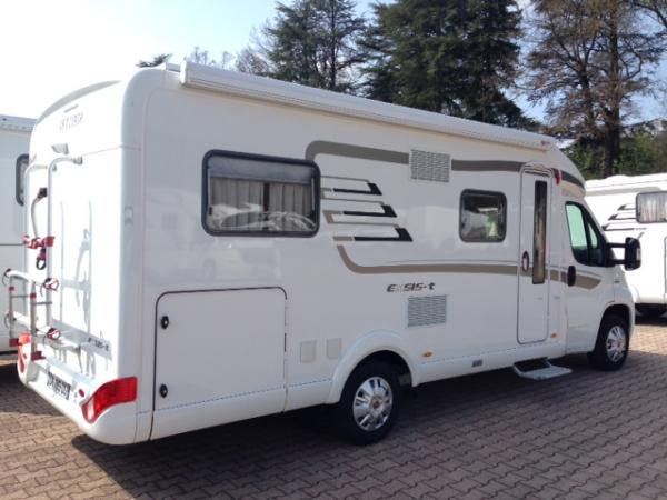 hymer exsis t 588 occasion de 2015 fiat camping car en vente l 39 etrat loire 42. Black Bedroom Furniture Sets. Home Design Ideas