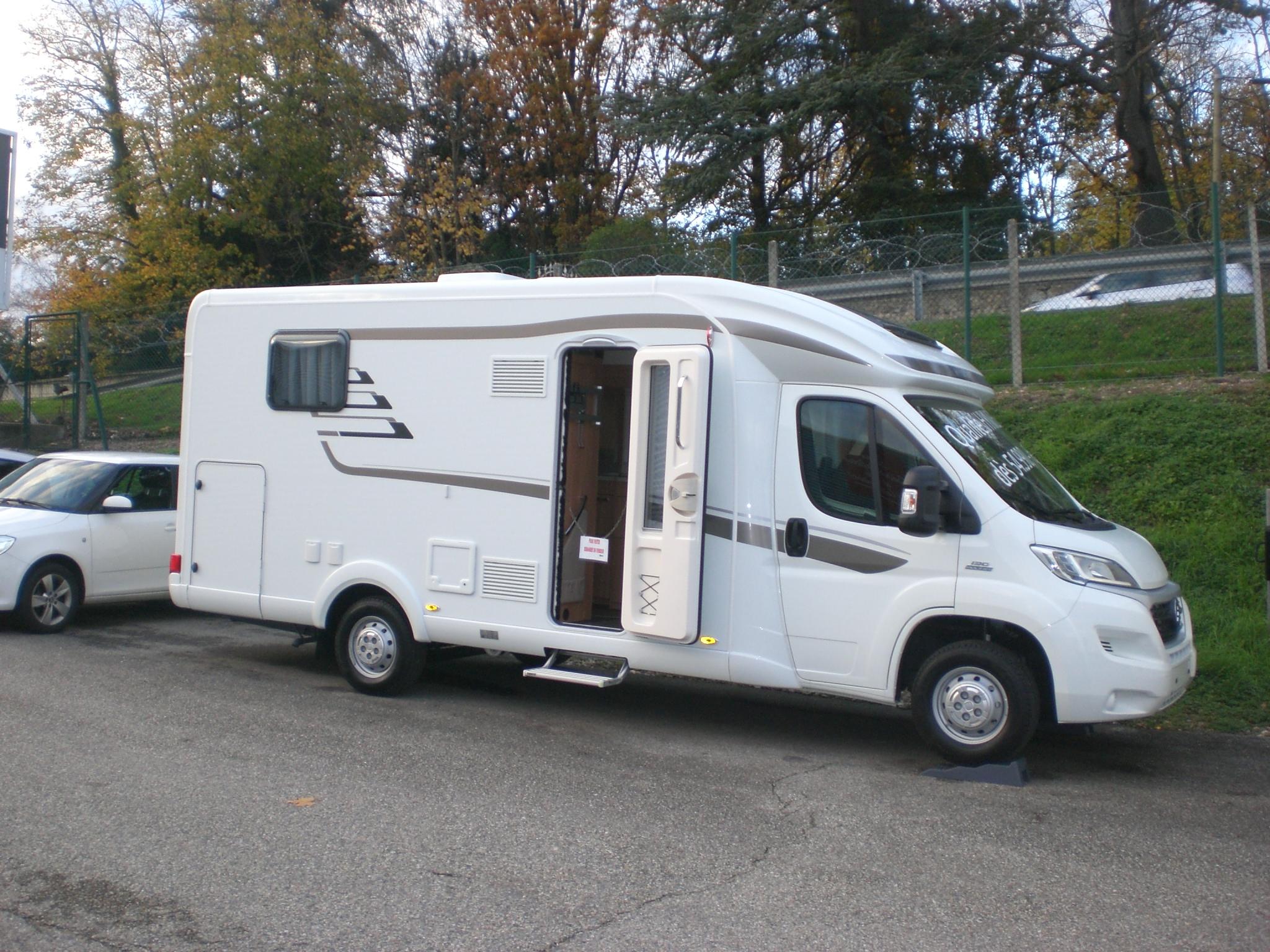 hymer tramp 598 gl neuf de 2016 fiat camping car en vente l 39 etrat loire 42. Black Bedroom Furniture Sets. Home Design Ideas