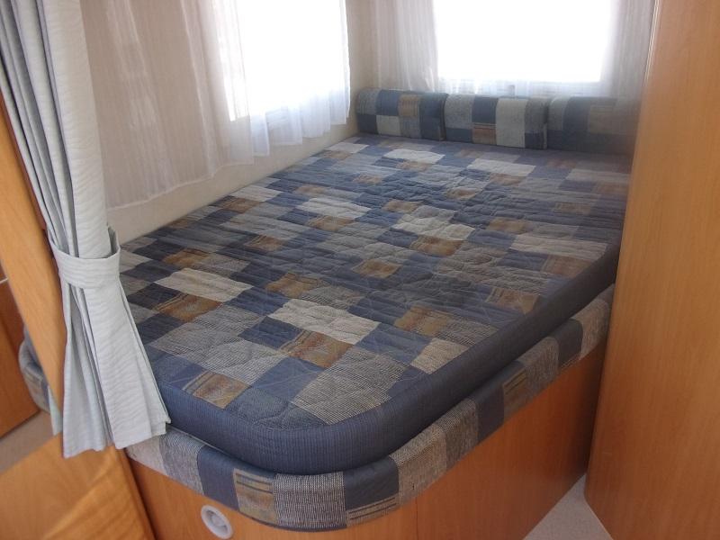 challenger 107 occasion de 2004 citroen camping car en vente roquebrune sur argens var 83. Black Bedroom Furniture Sets. Home Design Ideas
