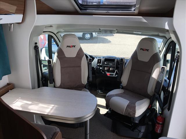 pilote p 650 c essentiel neuf de 2017 ducato camping car en vente sevenans territoire de. Black Bedroom Furniture Sets. Home Design Ideas