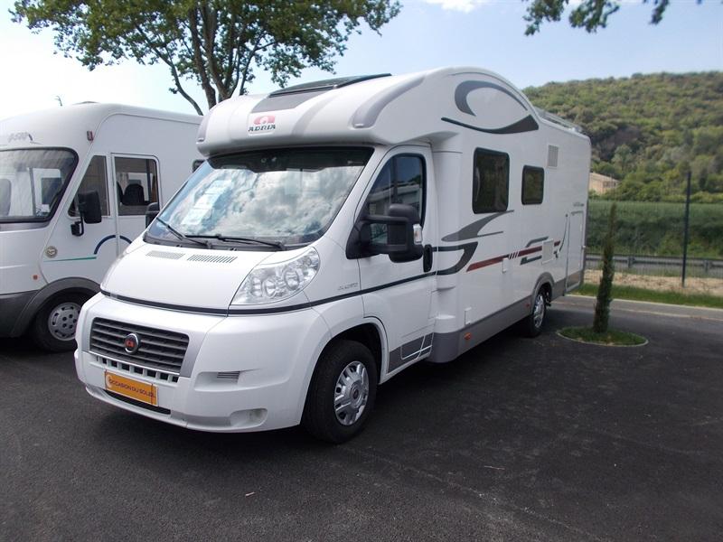 adria matrix 680 sp occasion de 2010 fiat camping car en vente saint peray ardeche 07. Black Bedroom Furniture Sets. Home Design Ideas