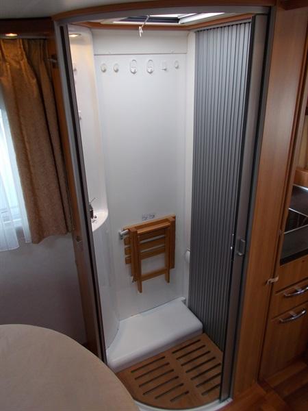 hymer b 698 cl occasion de 2011 fiat camping car en vente saint peray ardeche 07. Black Bedroom Furniture Sets. Home Design Ideas