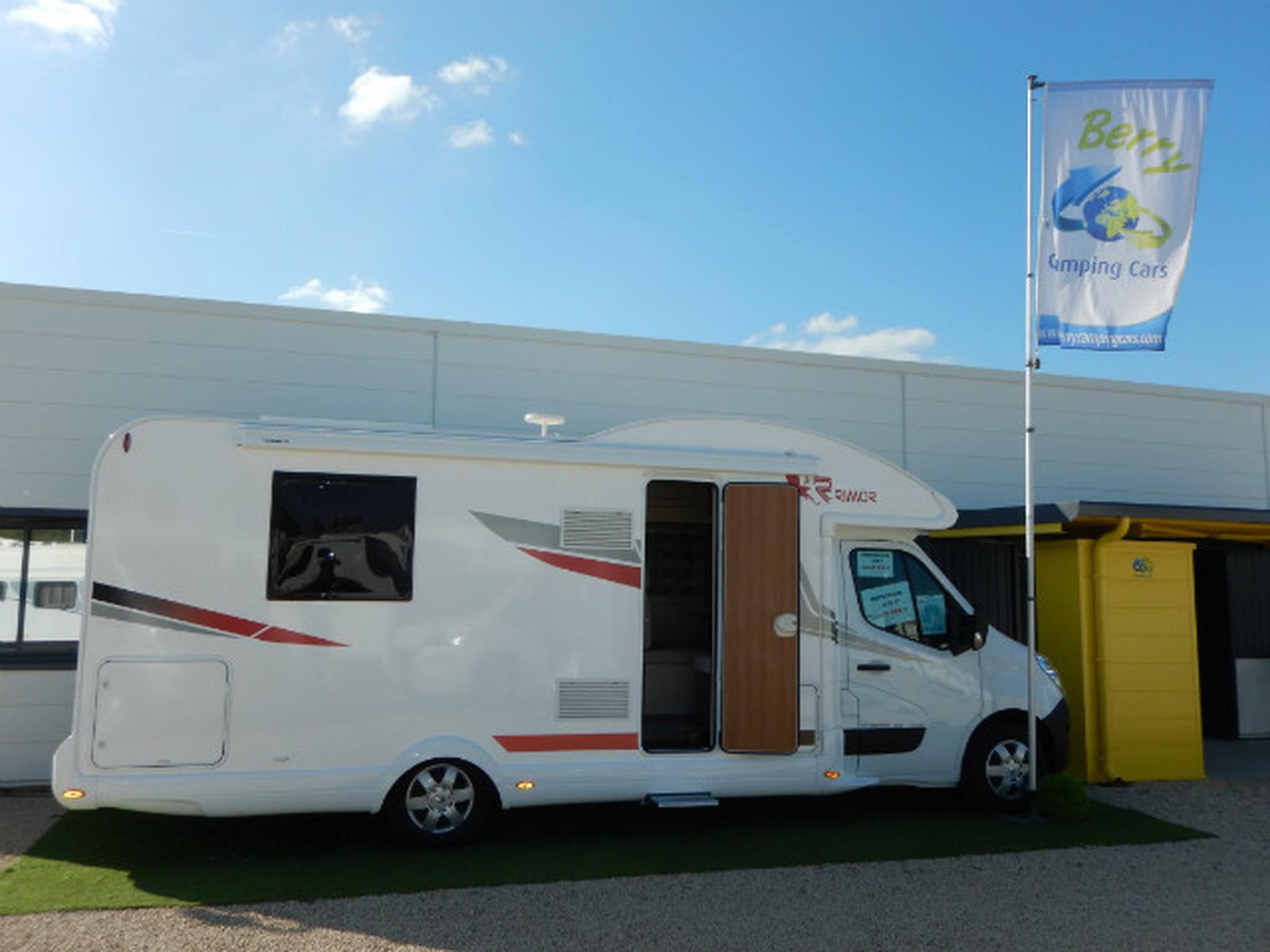 rimor katamarano 109 plus neuf de 2017 autres camping car en vente saint maur indre 36. Black Bedroom Furniture Sets. Home Design Ideas