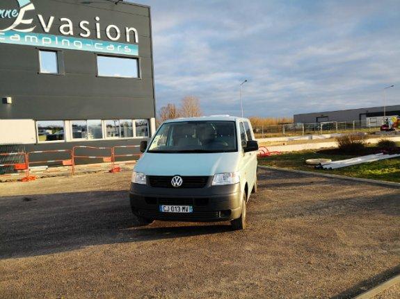 Occasion Volkswagen T5 vendu par VIENNE EVASION