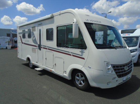 le voyageur lv850 occasion de 2013 fiat camping car en vente reze loire atlantique 44. Black Bedroom Furniture Sets. Home Design Ideas