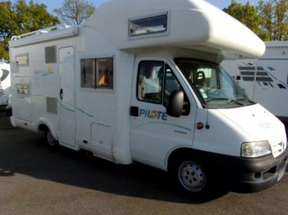 pilote a 650 tcg occasion porteur citroen 2 8 jtd 127 cv camping car vendre en vendee 85. Black Bedroom Furniture Sets. Home Design Ideas