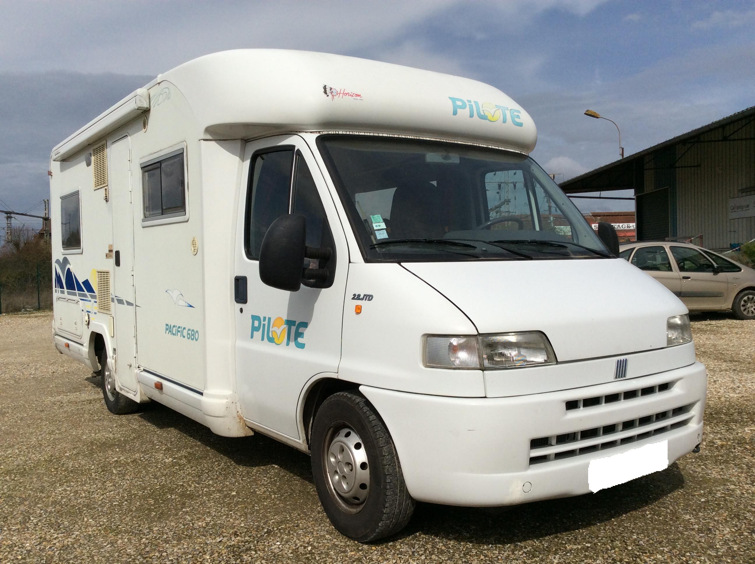 pilote pacific 680 occasion de 2001 fiat camping car en vente aubevoye eure 27. Black Bedroom Furniture Sets. Home Design Ideas