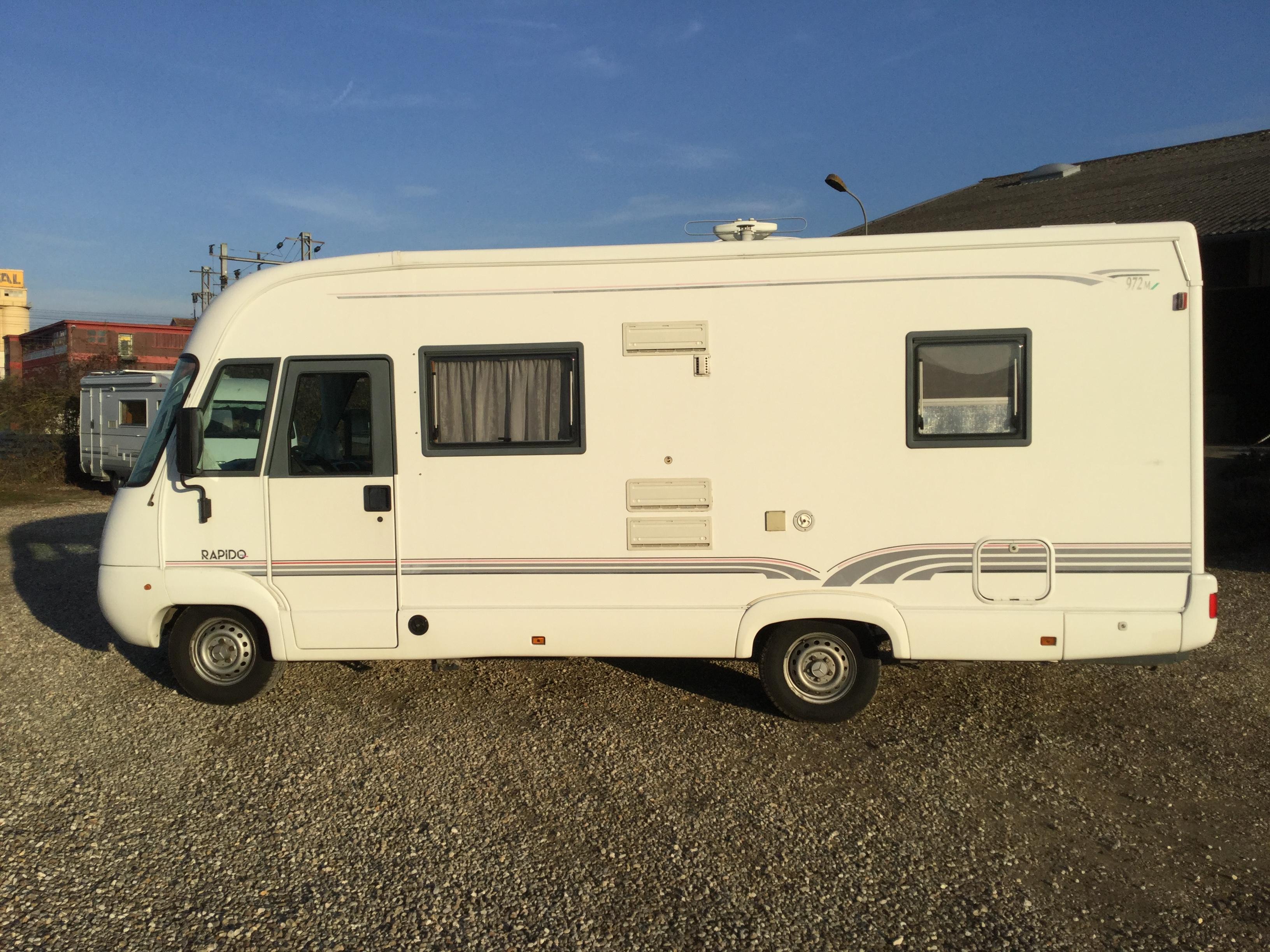rapido 972 m occasion porteur mercedes 313 cdi camping car vendre en eure 27 ref 77097. Black Bedroom Furniture Sets. Home Design Ideas