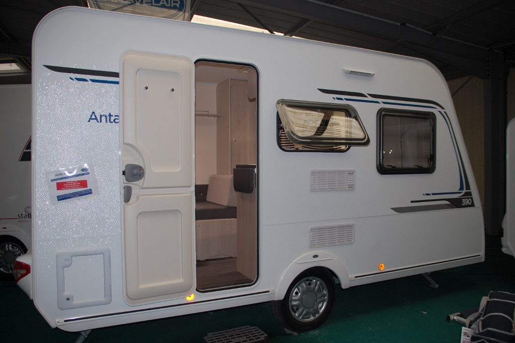 caravelair antares 390 neuf de 2018 caravane en vente la ferte bernard sarthe 72. Black Bedroom Furniture Sets. Home Design Ideas