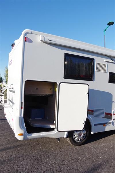 challenger genesis 278 eb occasion de 2017 fiat camping car en vente villeneuve les. Black Bedroom Furniture Sets. Home Design Ideas