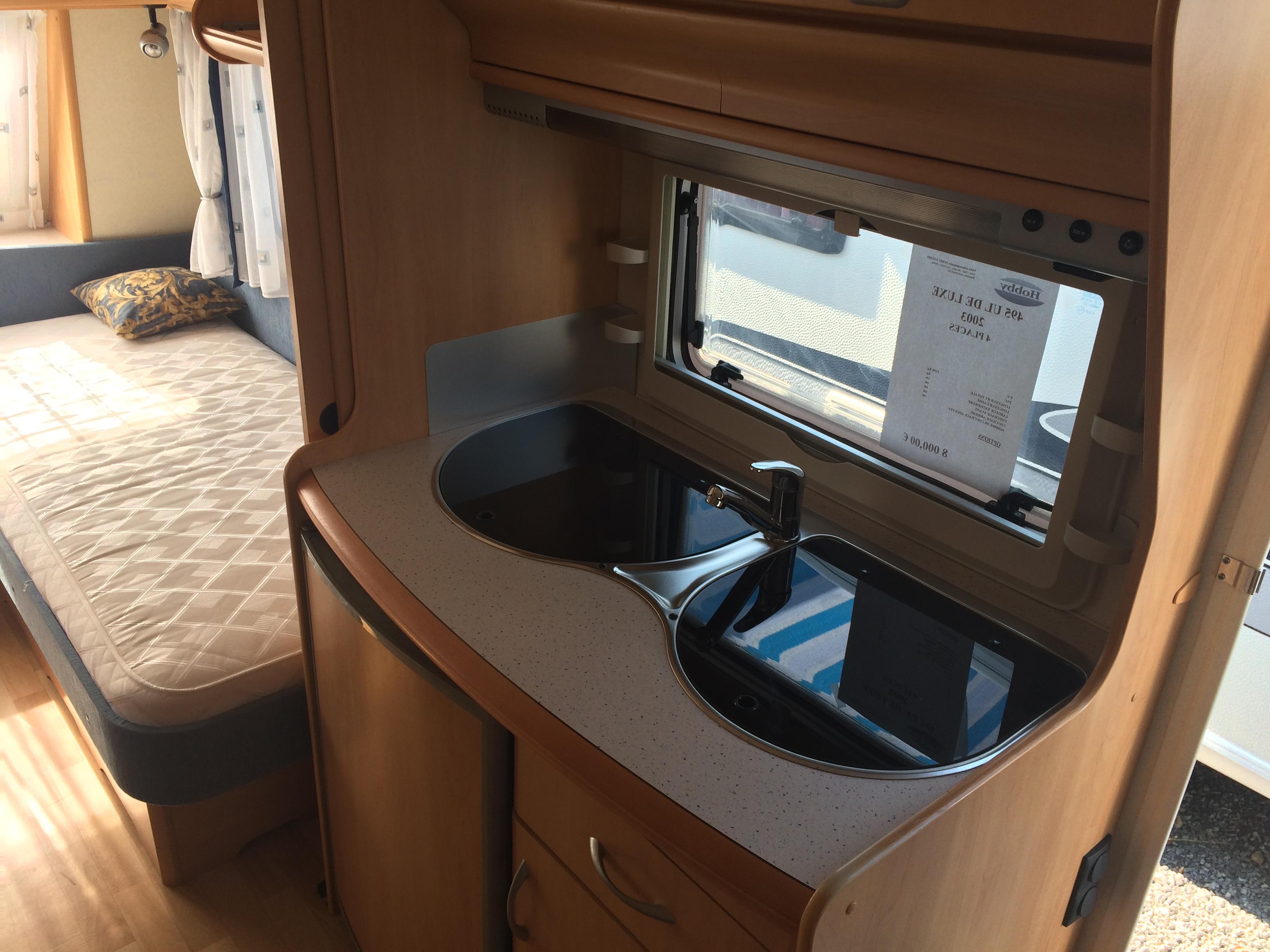 hobby 495 ul de luxe occasion de 2003 caravane en vente. Black Bedroom Furniture Sets. Home Design Ideas