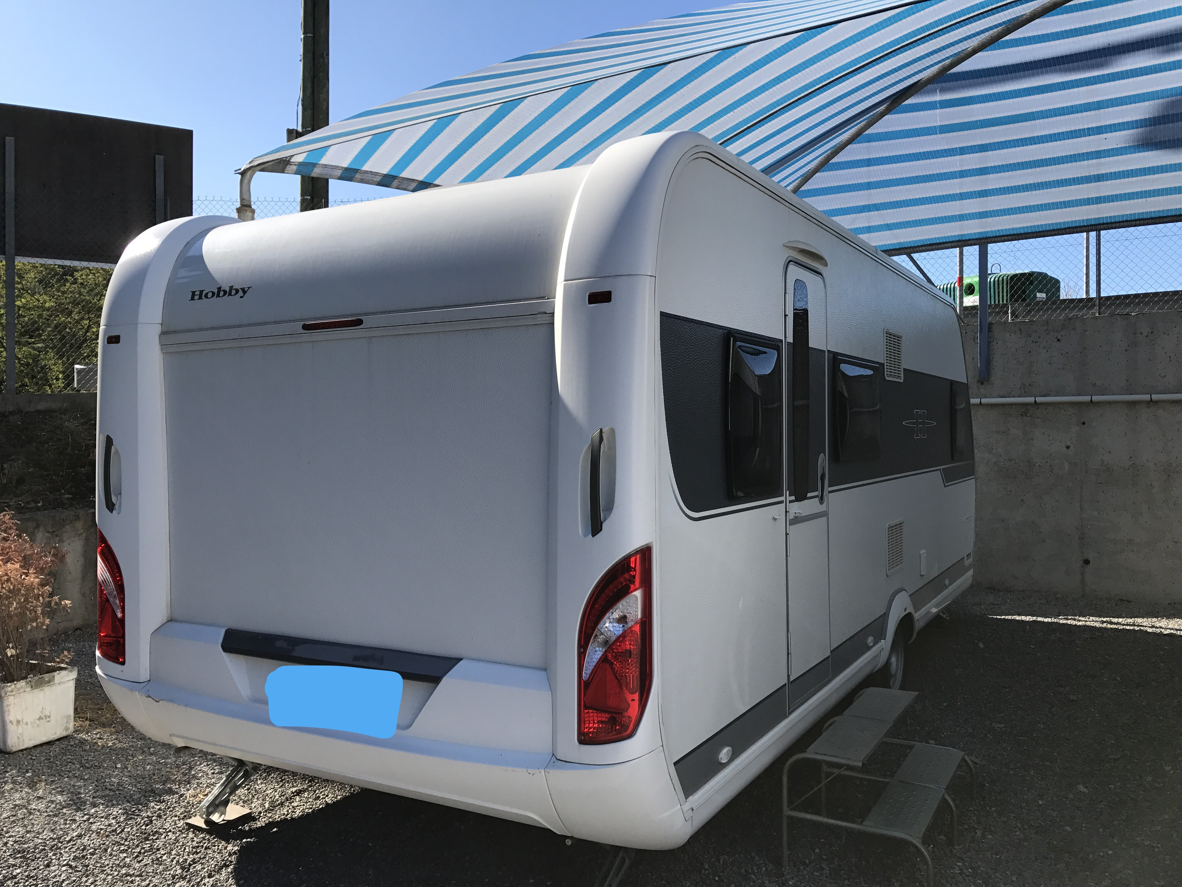 hobby 560 kmfe de luxe occasion caravane vendre en alpes maritimes 6 ref 12648. Black Bedroom Furniture Sets. Home Design Ideas