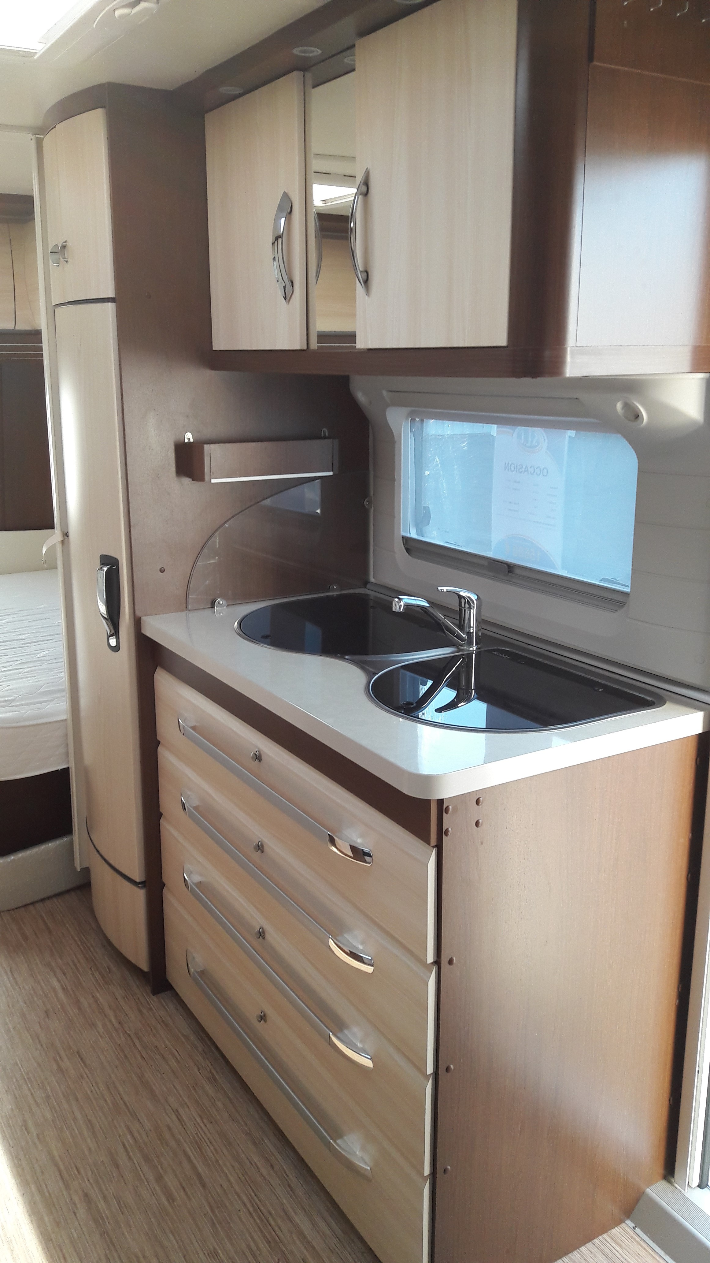 Hobby 495 ul prestige occasion de 2013 caravane en vente for Camping indre et loire avec piscine
