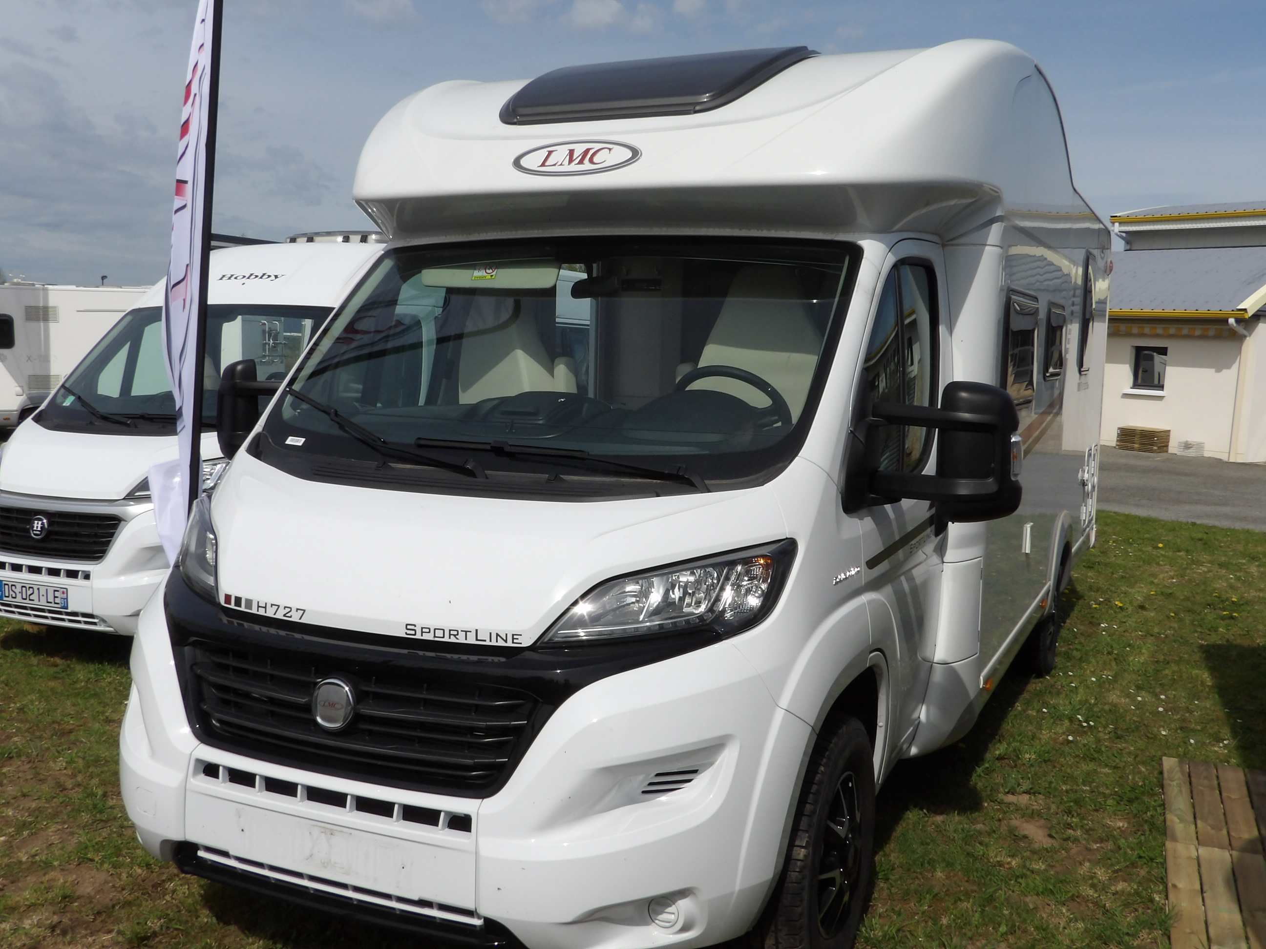 lmc breezer h 727 neuf de 2016 fiat camping car en vente locoal mendon sortie 36 morbihan 56. Black Bedroom Furniture Sets. Home Design Ideas