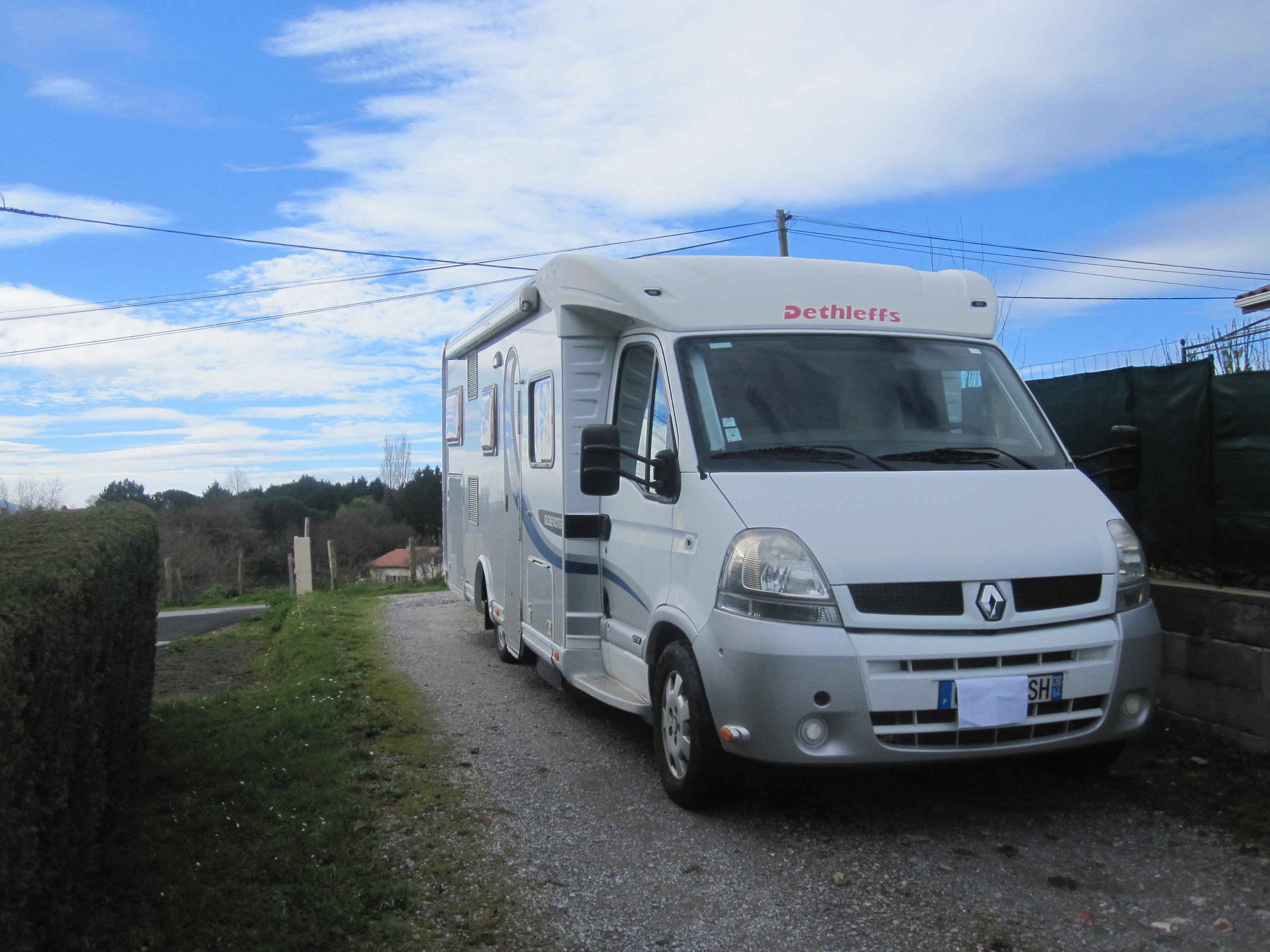 dethleffs esprit rt 6874 occasion porteur renault master camping car vendre en pyrenees. Black Bedroom Furniture Sets. Home Design Ideas