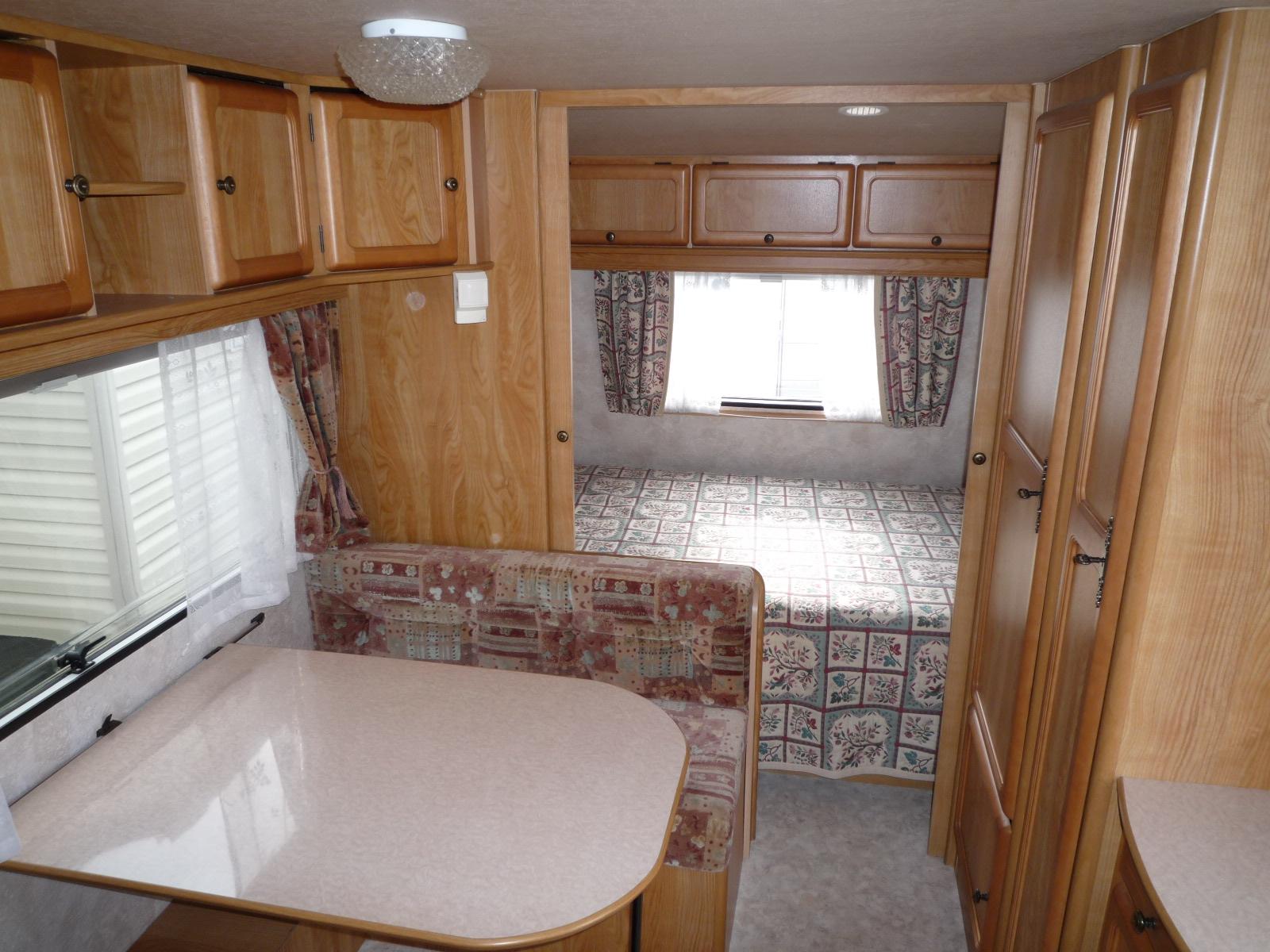 la mancelle 400 cb2 occasion de 1999 caravane en vente st leu d 39 esserent oise 60. Black Bedroom Furniture Sets. Home Design Ideas