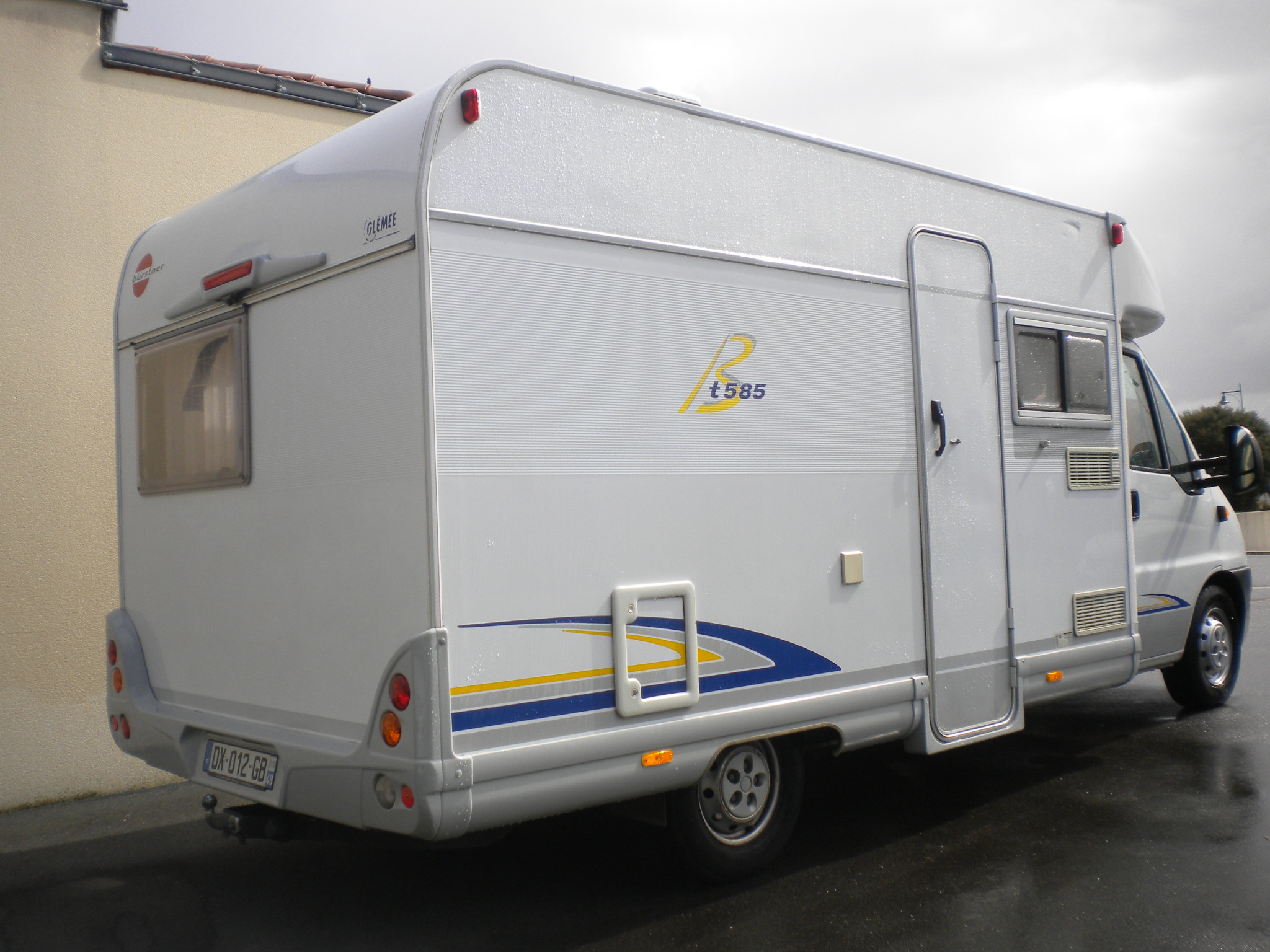 burstner t 585 occasion de 2004 fiat camping car en vente cholet maine et loire 49. Black Bedroom Furniture Sets. Home Design Ideas