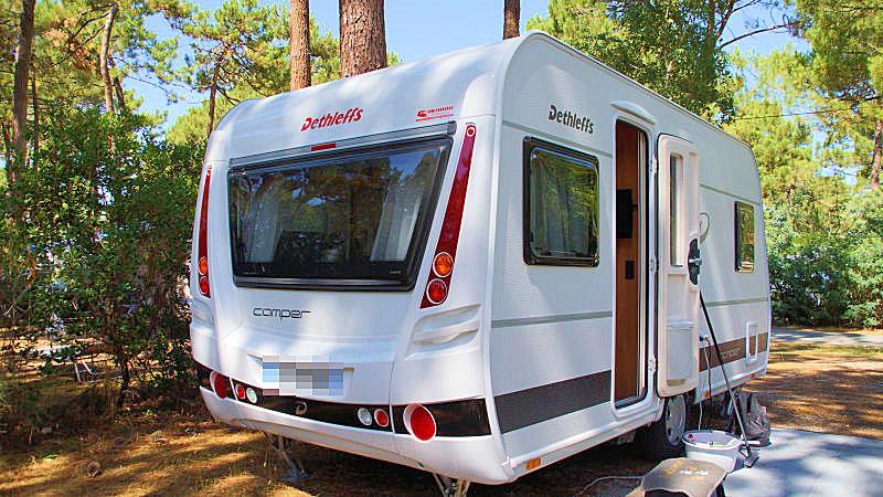dethleffs camper 450 fl occasion de 2014 caravane en vente houchin pas de calais 62. Black Bedroom Furniture Sets. Home Design Ideas