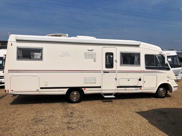 le voyageur lvx 9 occasion de 2005 mercedes camping car en vente saint gervais gironde 33. Black Bedroom Furniture Sets. Home Design Ideas