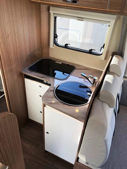 location i 449 carado location camping car saint. Black Bedroom Furniture Sets. Home Design Ideas