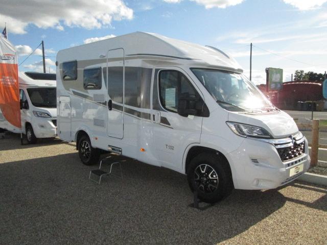 Location t 132 carado location camping car saint gervais for Location garage caravane