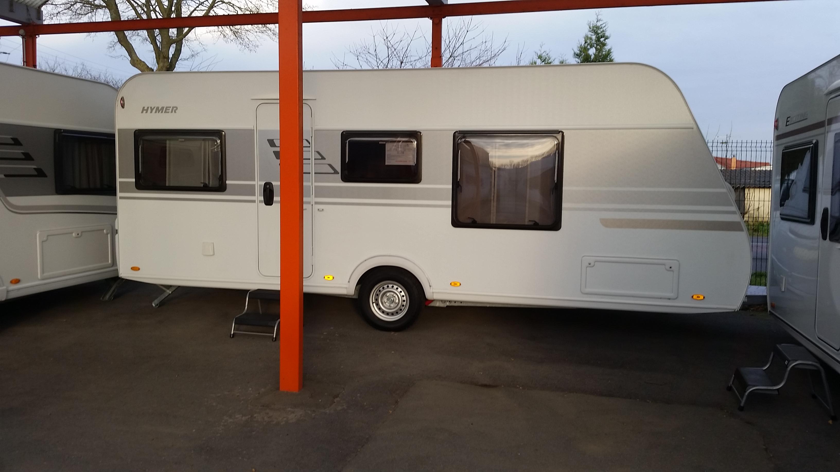 eriba living 550 neuf de 2017 caravane en vente cuinchy pas de calais 62. Black Bedroom Furniture Sets. Home Design Ideas