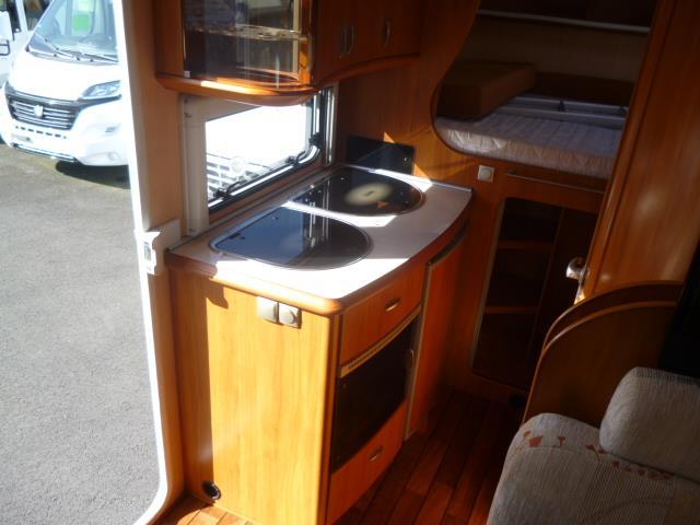 hobby van t 500 gfsc occasion de 2007 ford camping car en vente meung sur loire loiret 45. Black Bedroom Furniture Sets. Home Design Ideas