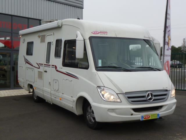 le voyageur lvx 8 lj occasion de 2009 mercedes camping car en vente meung sur loire loiret. Black Bedroom Furniture Sets. Home Design Ideas