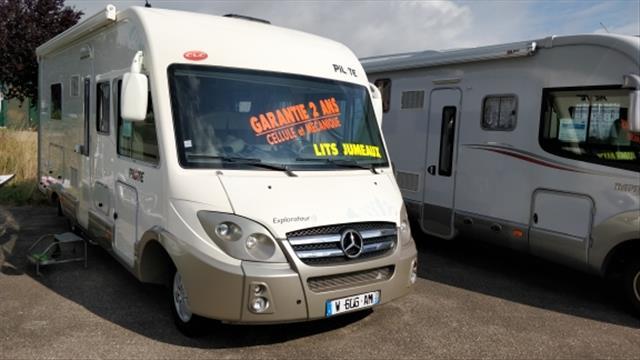 pilote explorateur g 743 lje occasion de 2010 autres camping car en vente thaon les vosges. Black Bedroom Furniture Sets. Home Design Ideas