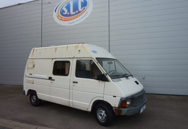 renault trafic occasion de 1987 renault camping car en vente st etiennne de montluc loire. Black Bedroom Furniture Sets. Home Design Ideas