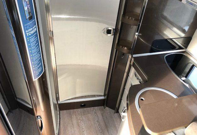 hobby optima de luxe t 65 hgq neuf de 2018 fiat camping car en vente st etienne de montluc. Black Bedroom Furniture Sets. Home Design Ideas