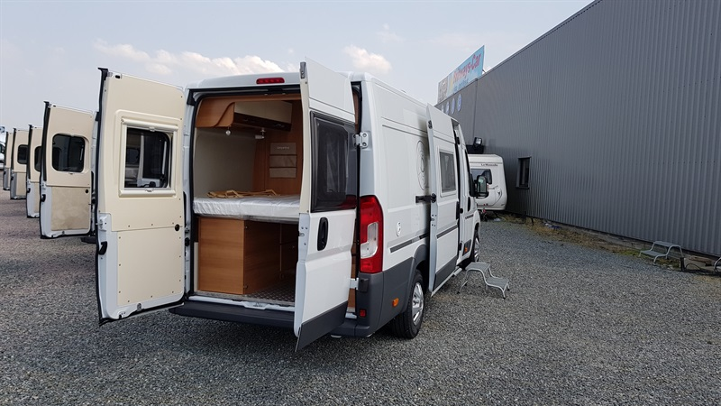 campereve magellan 743 neuf de 2017 fiat camping car en vente yffiniac cotes d armor 22. Black Bedroom Furniture Sets. Home Design Ideas
