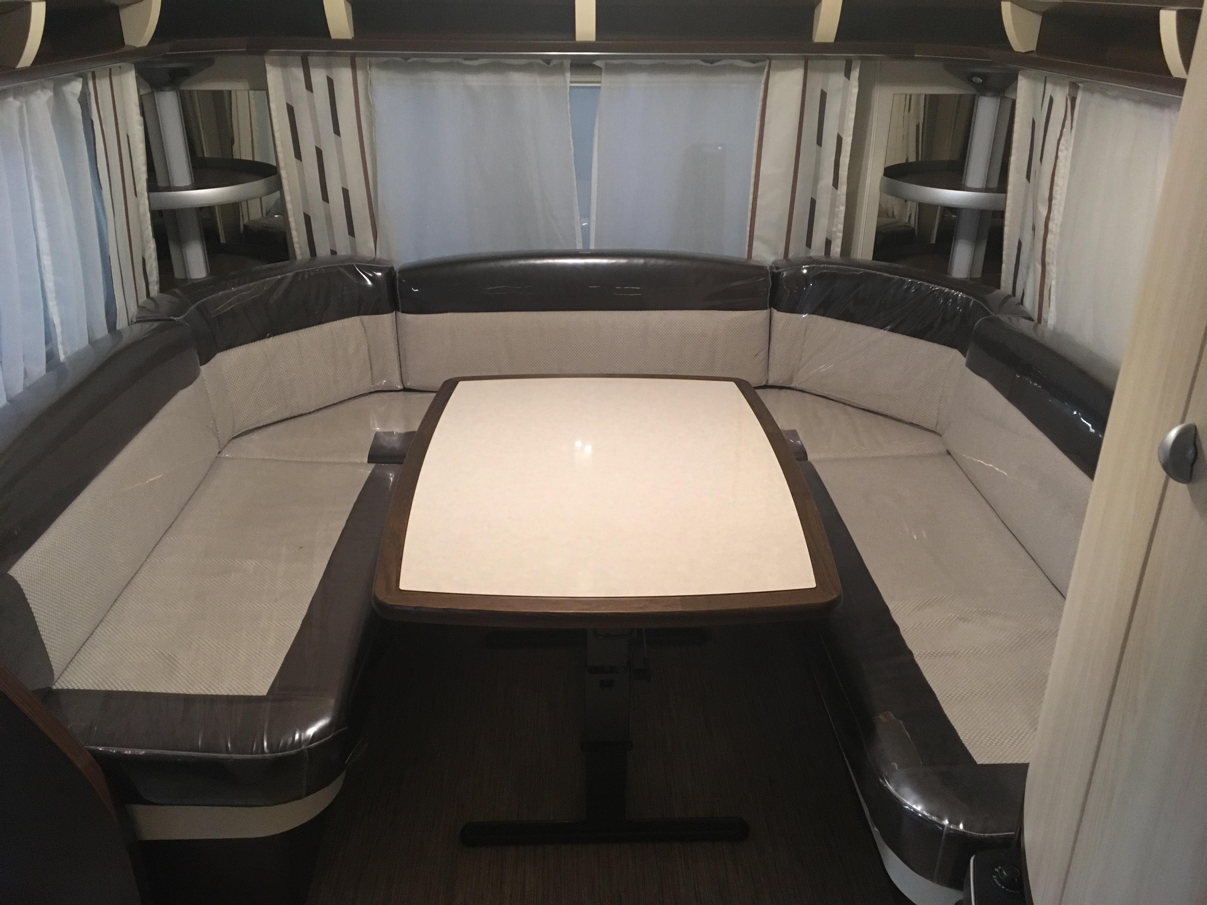 hobby 610 ul prestige occasion de 2013 caravane en vente claira pyrenees orientales 66. Black Bedroom Furniture Sets. Home Design Ideas