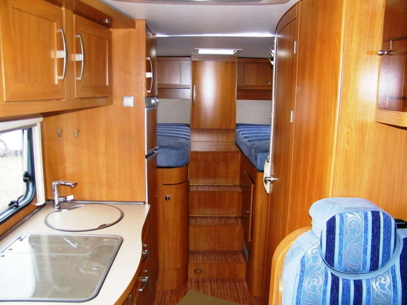 Eriba car 673 occasion de 2013 fiat camping car en for Store interieur caravane