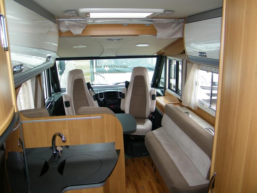 Laika ecovip 710 neuf de 2015 fiat camping car en for Store interieur caravane