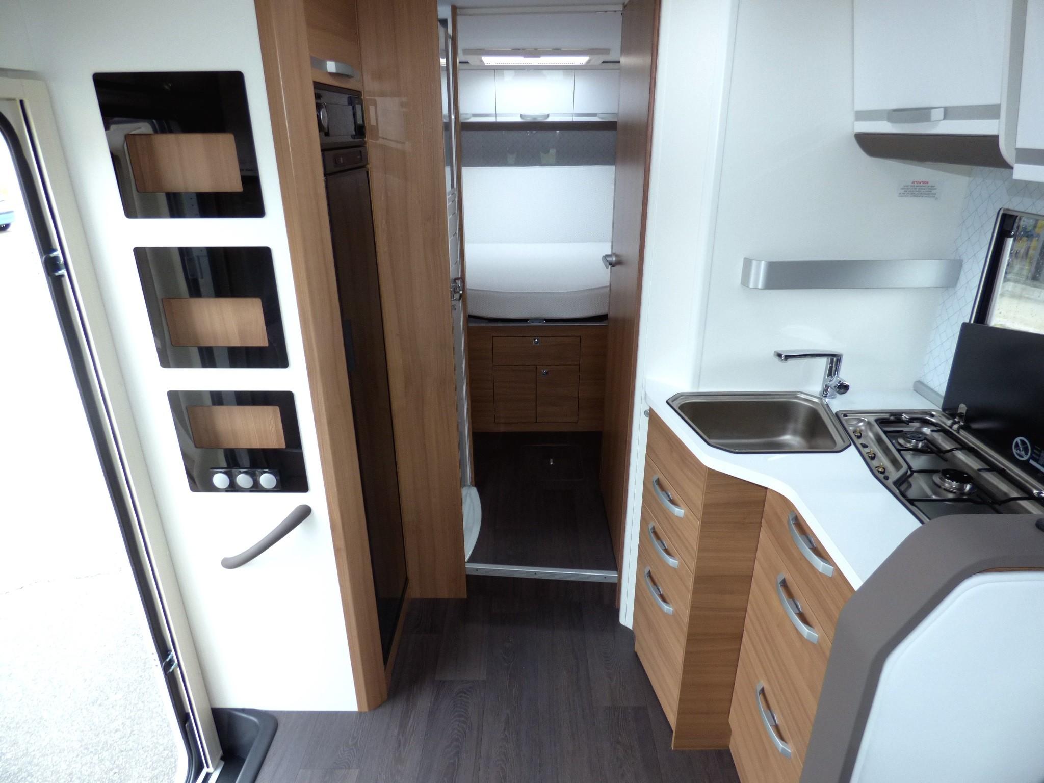adria matrix 670 dc neuf de 2019 - fiat - camping car en vente  u00e0 pompertuzat  haute-garonne