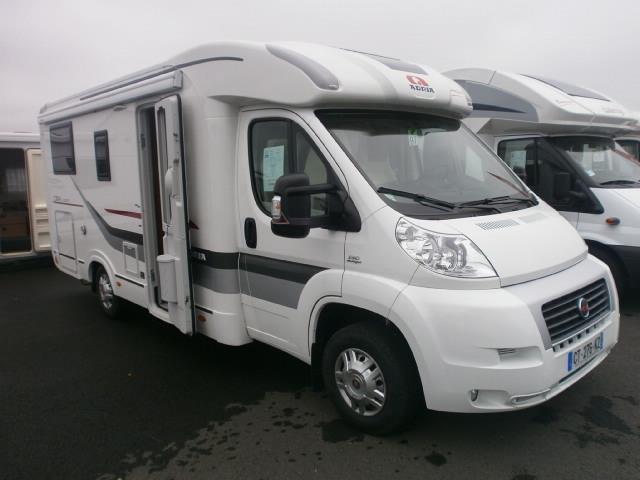 adria 600 compact occasion de 2013 fiat camping car en vente coetmieux cotes d armor 22. Black Bedroom Furniture Sets. Home Design Ideas
